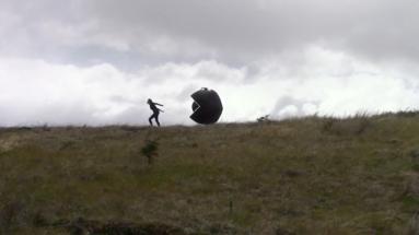 """Da série """"Os 12 trabalhos"""" - """"O Vento, 2014"""" vídeo, 7'35, Local: Ushuaia/ Argentina"""